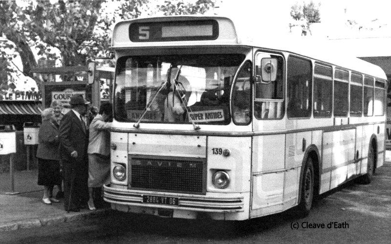 transport mobilit urbaine afficher le sujet deux anciens autobus angevins. Black Bedroom Furniture Sets. Home Design Ideas