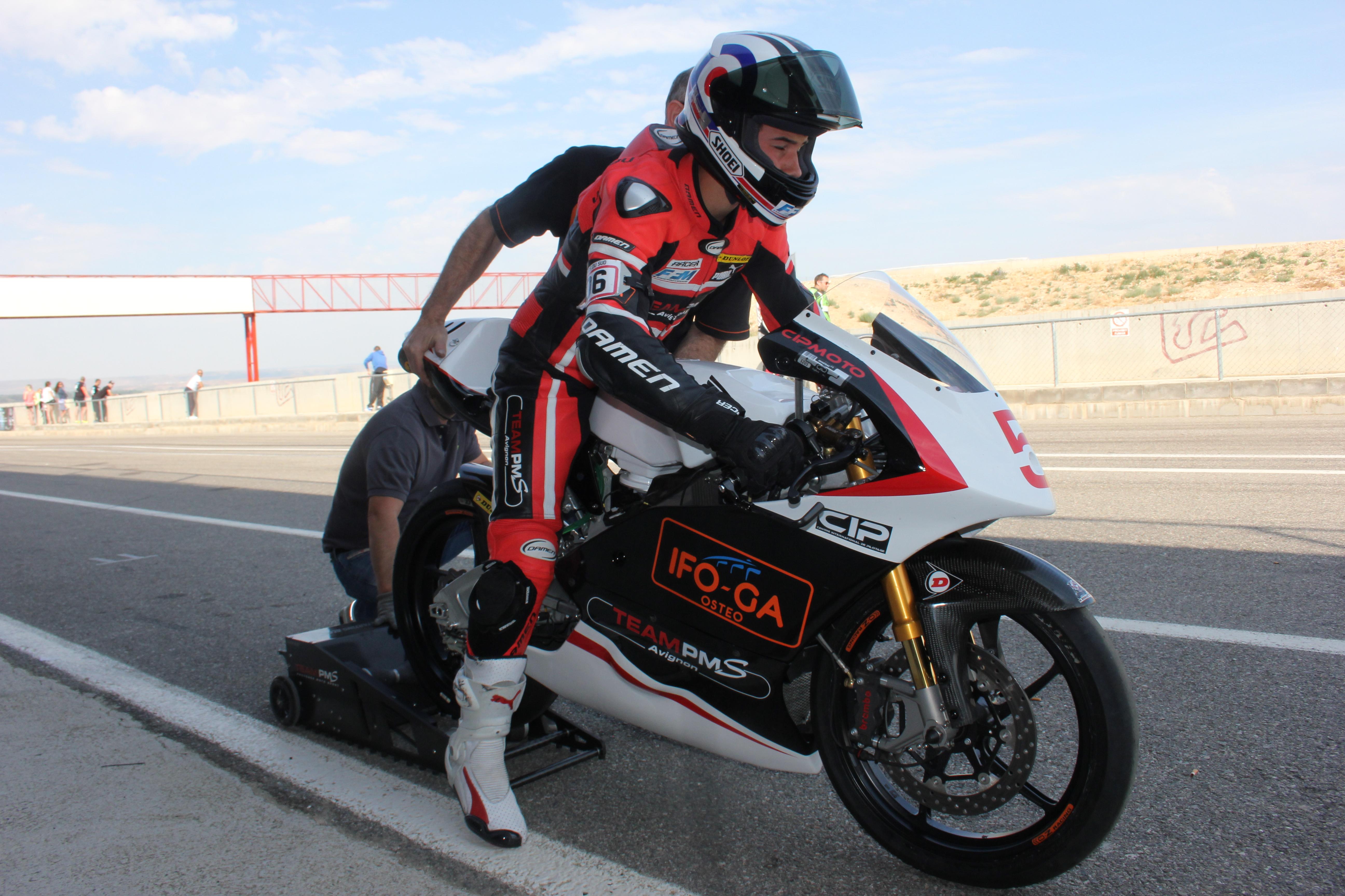 [Pit Laners en course] Mickael Coupé (FSBK Moto 3 Junior)  - Page 2 150604022308748287