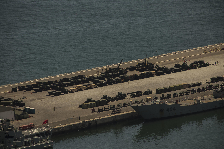 Royal Moroccan Navy Batral LST Class / Batral marocains classe Daoud Ben Aïcha - Page 3 150604032647578112