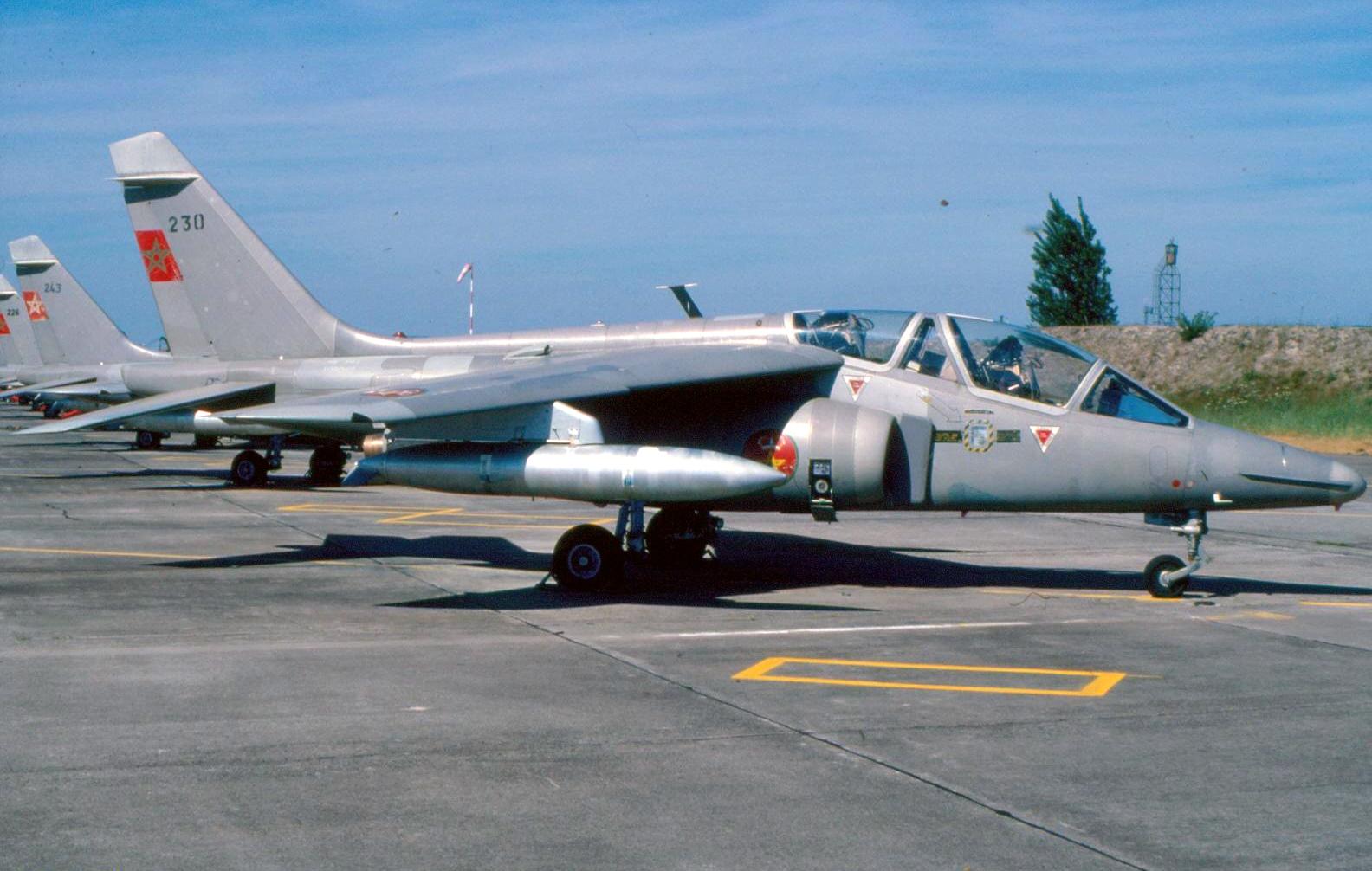 FRA: Photos avions d'entrainement et anti insurrection - Page 8 150720052455939138