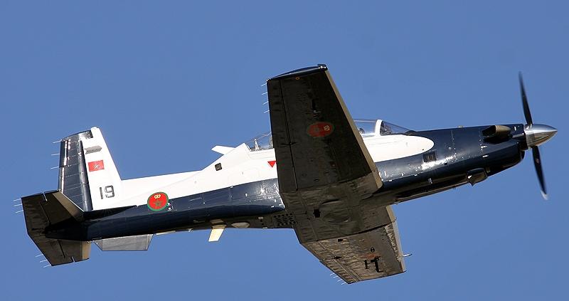 FRA: Photos avions d'entrainement et anti insurrection - Page 8 150910052541439108