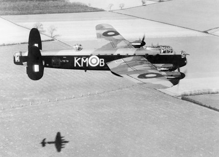 Avro Lancaster Mk.III - Tamiya 1/48 - Par fombec6 - Fini. - Page 2 150923103653626239
