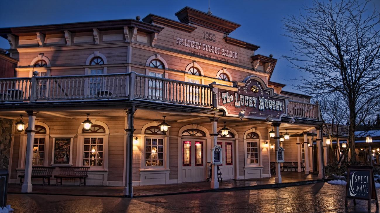 Vos photos nocturnes de Disneyland Paris - Page 6 150923111306934709