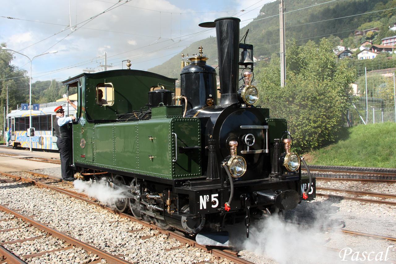 Les trains en Suisse  - Page 4 150928053846263075