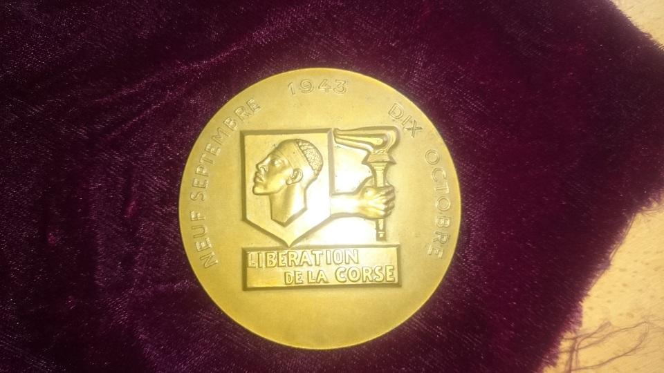 medaillon liberation de la Corse 151013105608890843