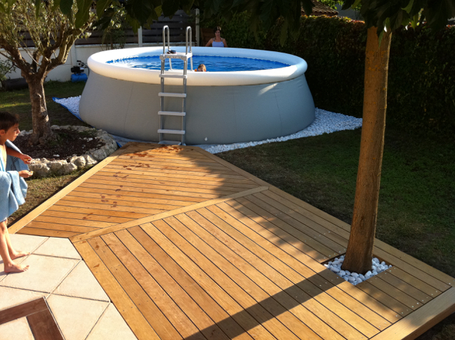 Piscine traditionelle 8x4 m poolhouse red cedar for Idee tour de piscine
