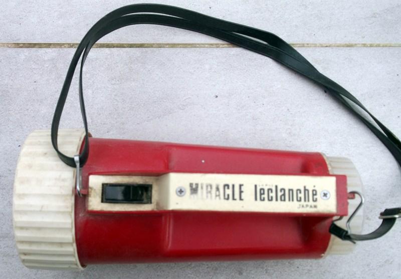 lampe torche et triangle de présignalisation  151204060747829078
