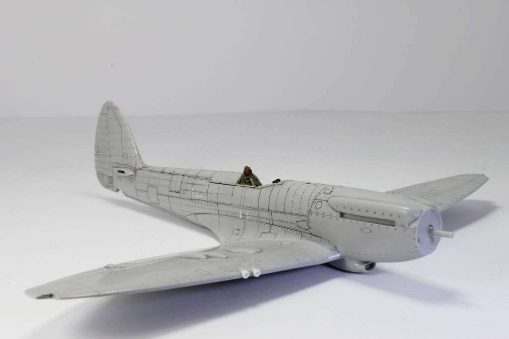Spitfire F MK 22 , Eduard 1/48 .Limited édition ! 151229052251111986