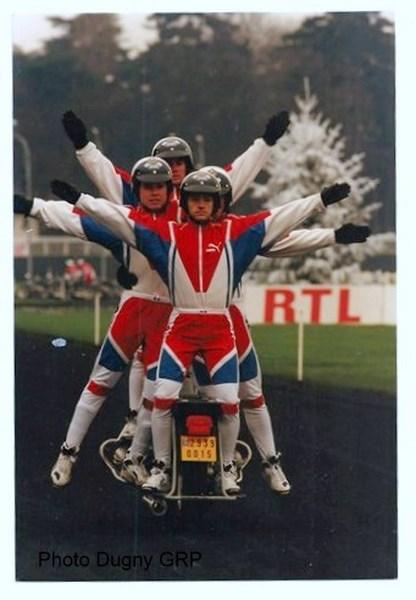 Création  des Premières acrobaties Motos en 1952 160105051651323083