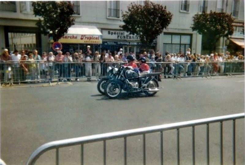 Création  des Premières acrobaties Motos en 1952 160107084812522176