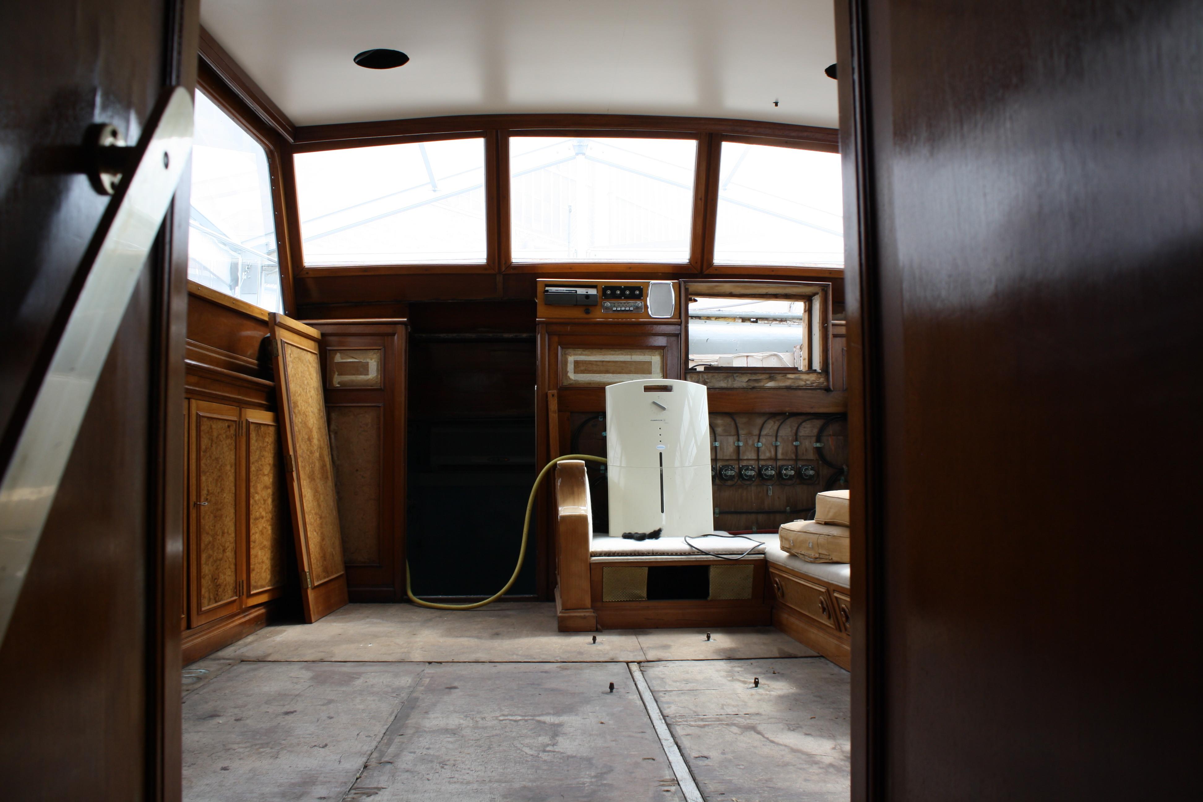 Le Yacht Royal ALPA est à vendre! - Page 5 160109054535652941