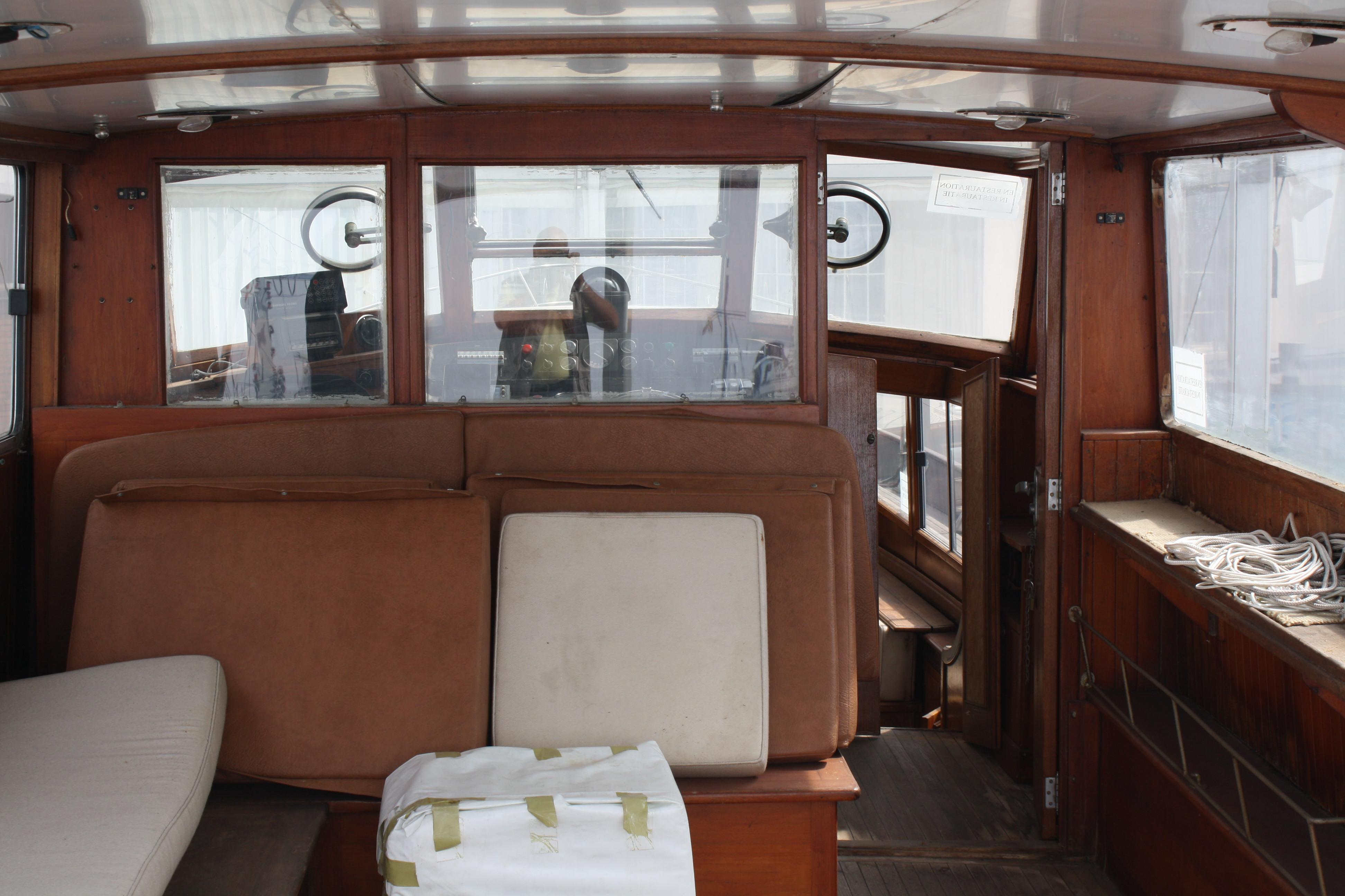Le Yacht Royal ALPA est à vendre! - Page 5 160109055816128937