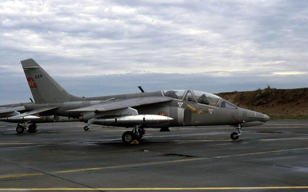 FRA: Photos avions d'entrainement et anti insurrection - Page 8 160113040608544468