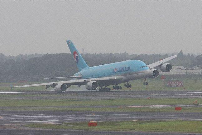Contacts nacelles moteur et fuselage avec le sol 160118073456373623