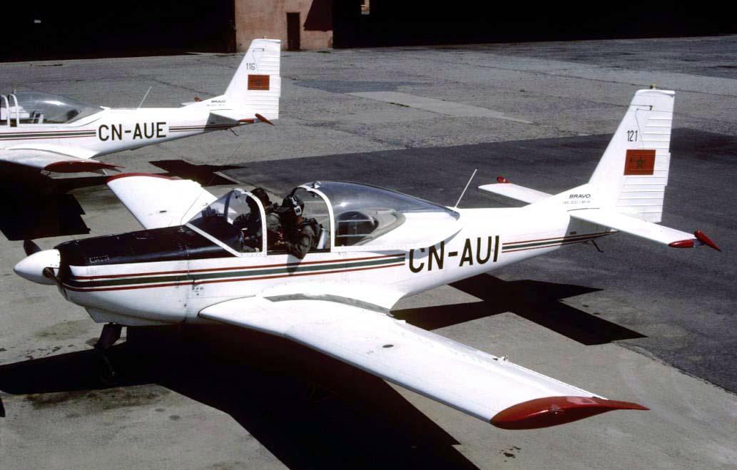 FRA: Photos avions d'entrainement et anti insurrection - Page 8 160119021335566080