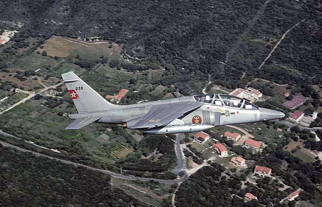 FRA: Photos avions d'entrainement et anti insurrection - Page 8 160122051510792703