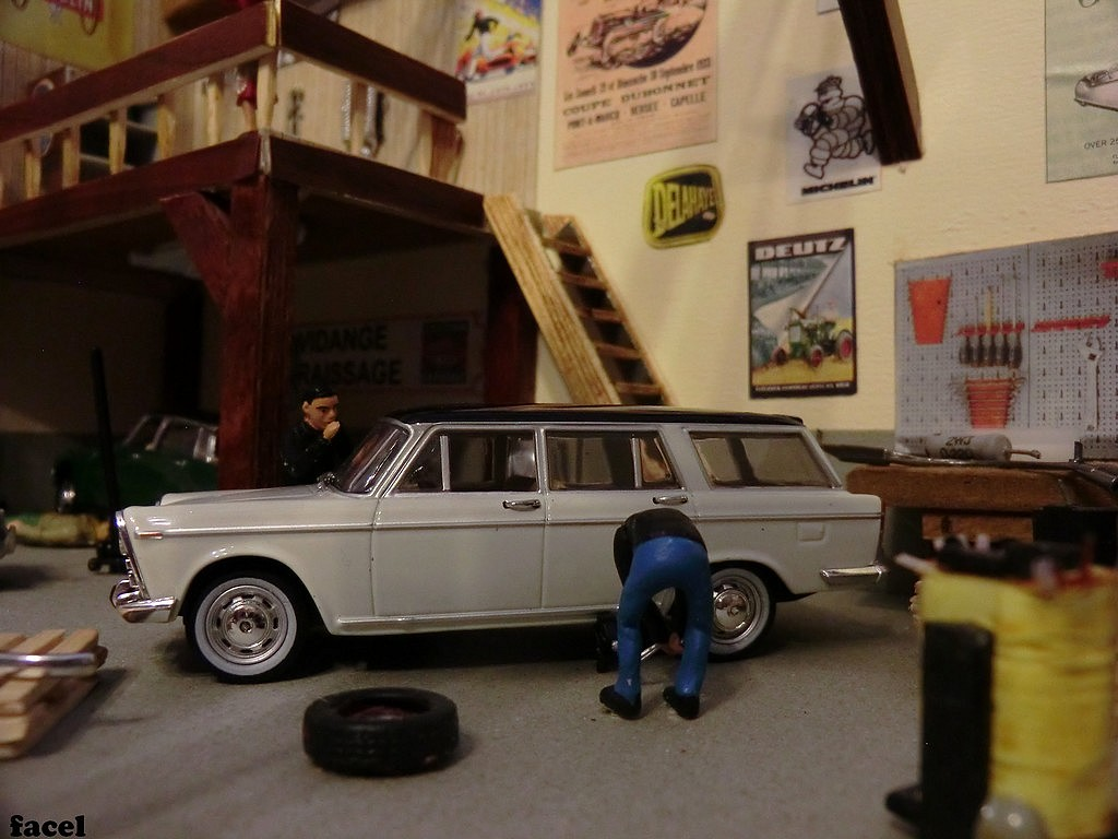 Garages stations services et dioramas des rues de notre for Garage voiture orly