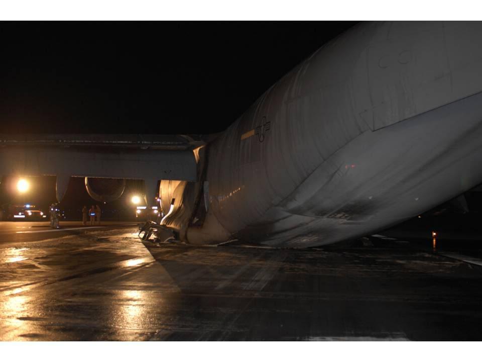 Contacts nacelles moteur et fuselage avec le sol - Page 3 160206090108118606