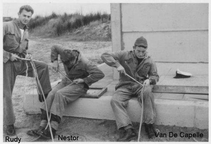 Ecole Navale Nieuwport/Lombartsijde - année 70 - Page 4 160207101526558208