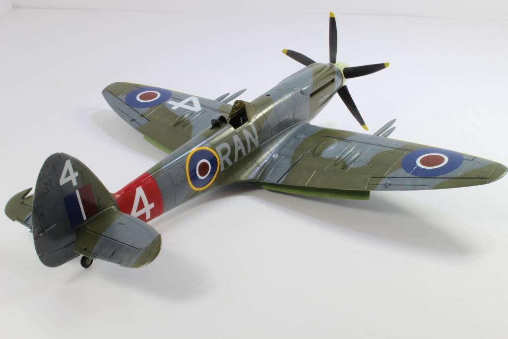 Spitfire F MK 22 , Eduard 1/48 .Limited édition ! 160227090842669516