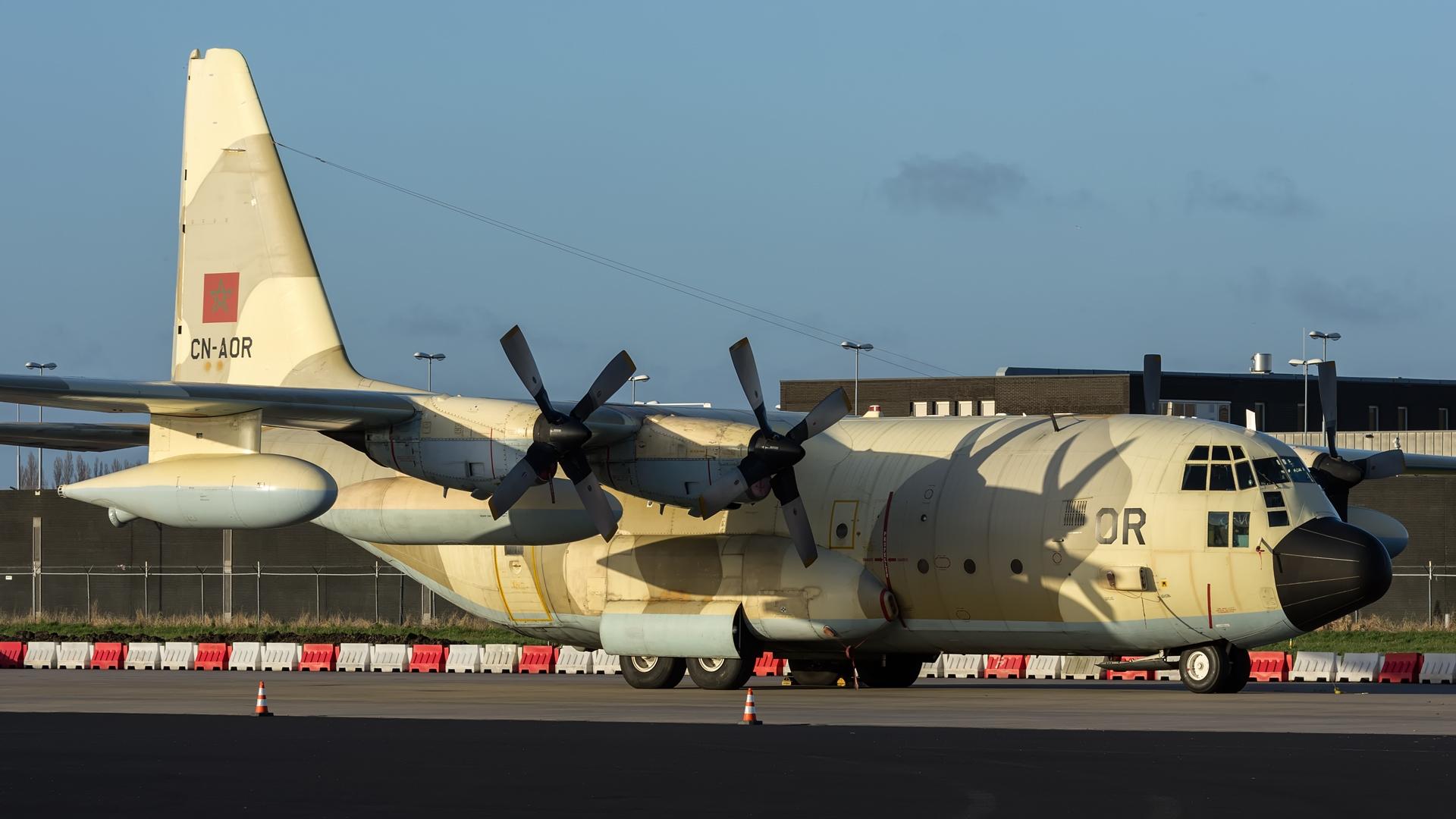FRA: Photos d'avions de transport - Page 27 160326032306536473