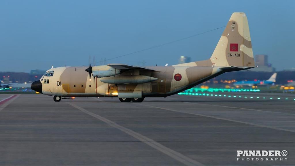 FRA: Photos d'avions de transport - Page 27 160329013805927552