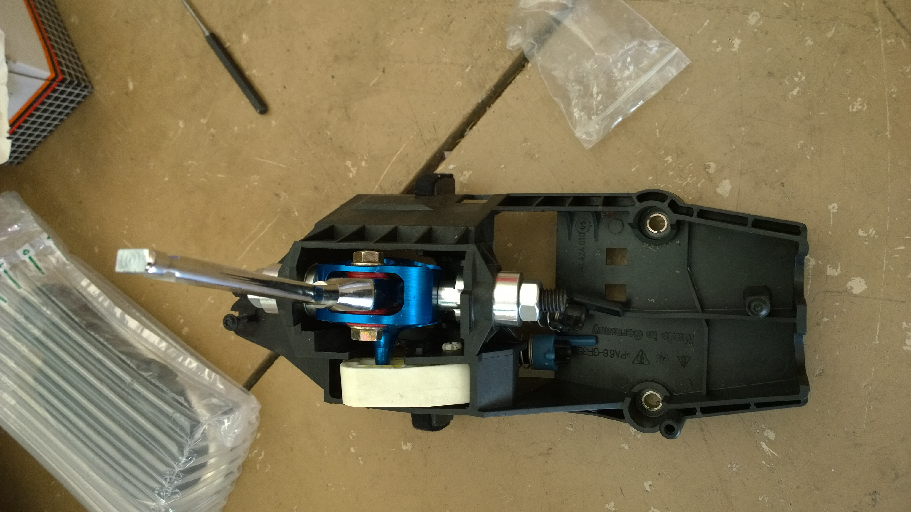Dispo: Short Shifter monté sur roulements. 160406082900446432