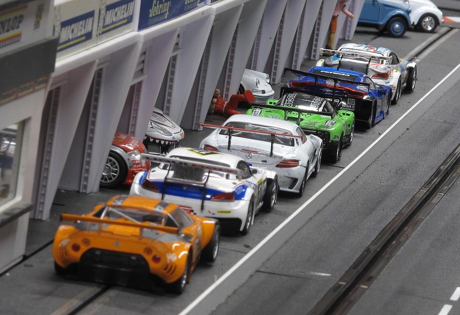 Challenge GT - voitures fournies ce jeudi ...  160411101735636090
