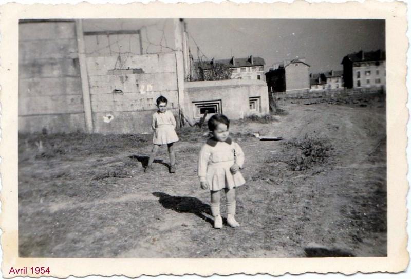 mon enfance ,à la Garde  Républicaine,au 1er GBGR à Satory (78) 160412060539494279