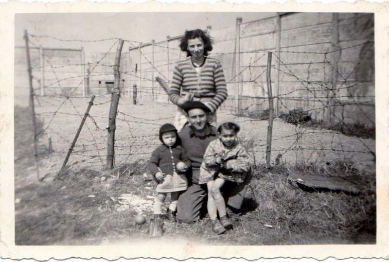 mon enfance ,à la Garde  Républicaine,au 1er GBGR à Satory (78) 160412060545543647