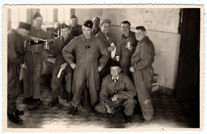 mon enfance ,à la Garde  Républicaine,au 1er GBGR à Satory (78) 16041303055470071