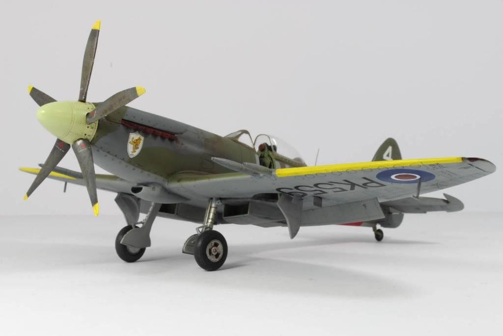 Spitfire F MK 22 , Eduard 1/48 .Limited édition ! 160413104258512131