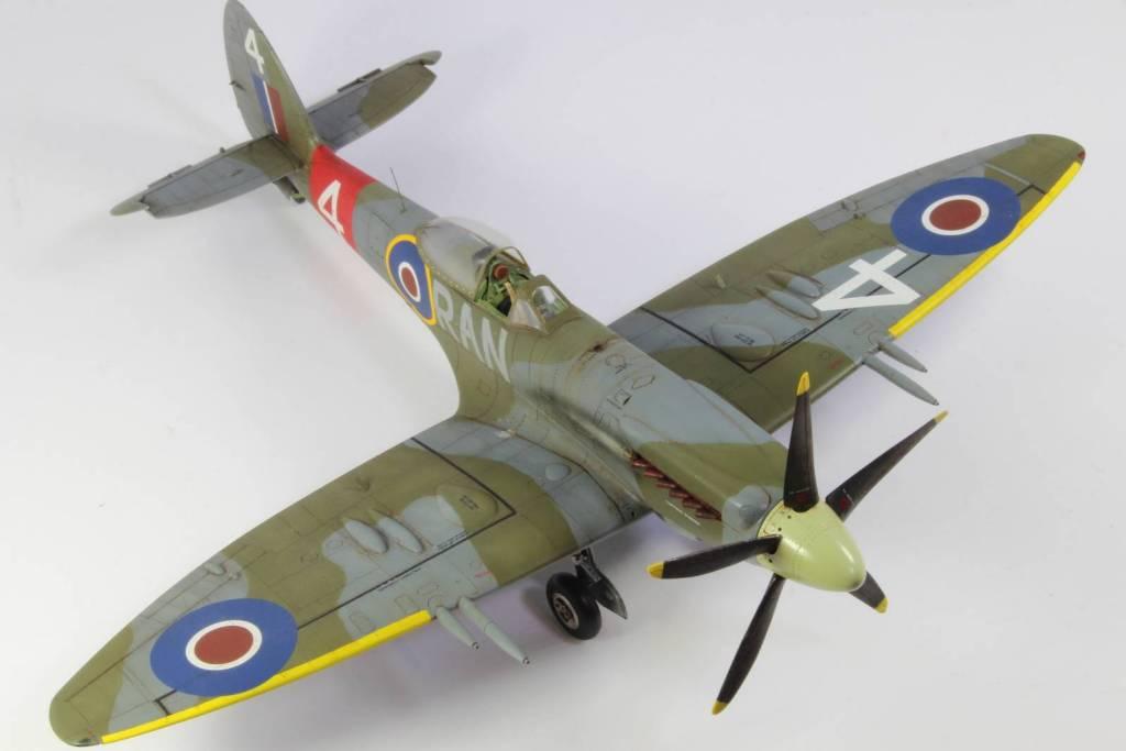 Spitfire F MK 22 , Eduard 1/48 .Limited édition ! 160413105030414265
