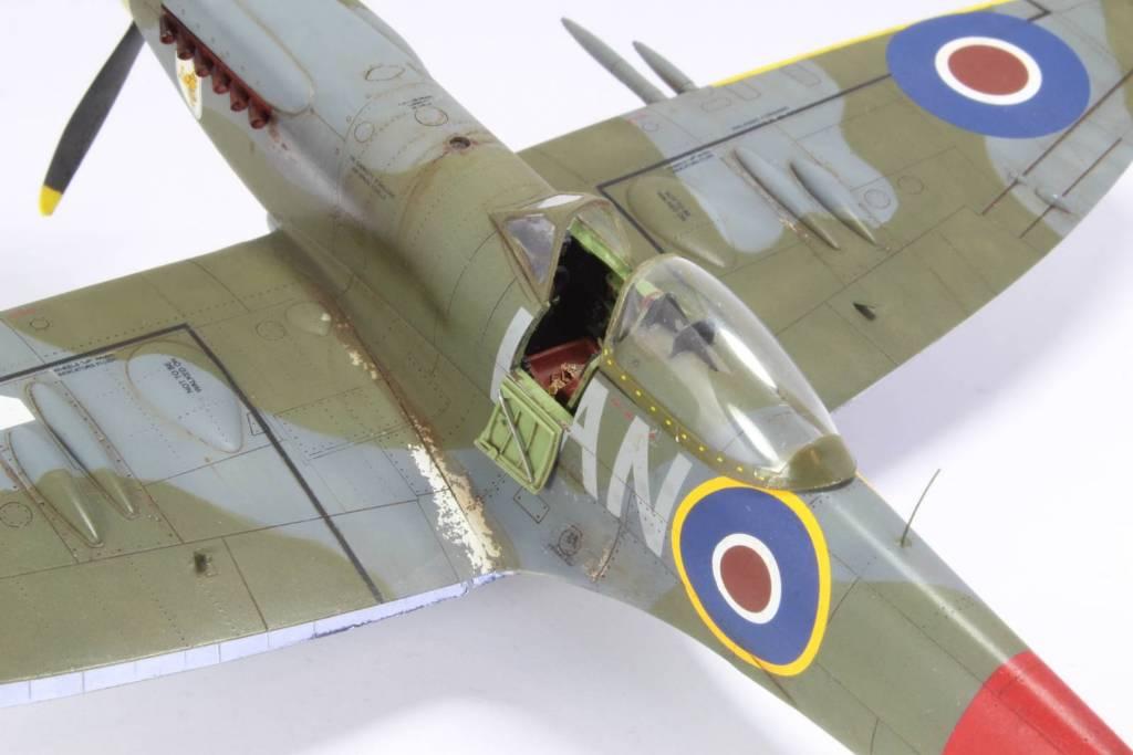Spitfire F MK 22 , Eduard 1/48 .Limited édition ! 160413105441850800