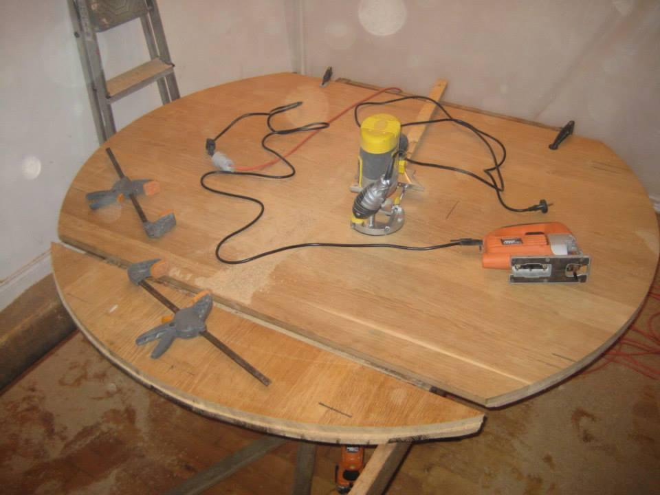 chevaliers de la table rondeuuu copain des copeaux. Black Bedroom Furniture Sets. Home Design Ideas