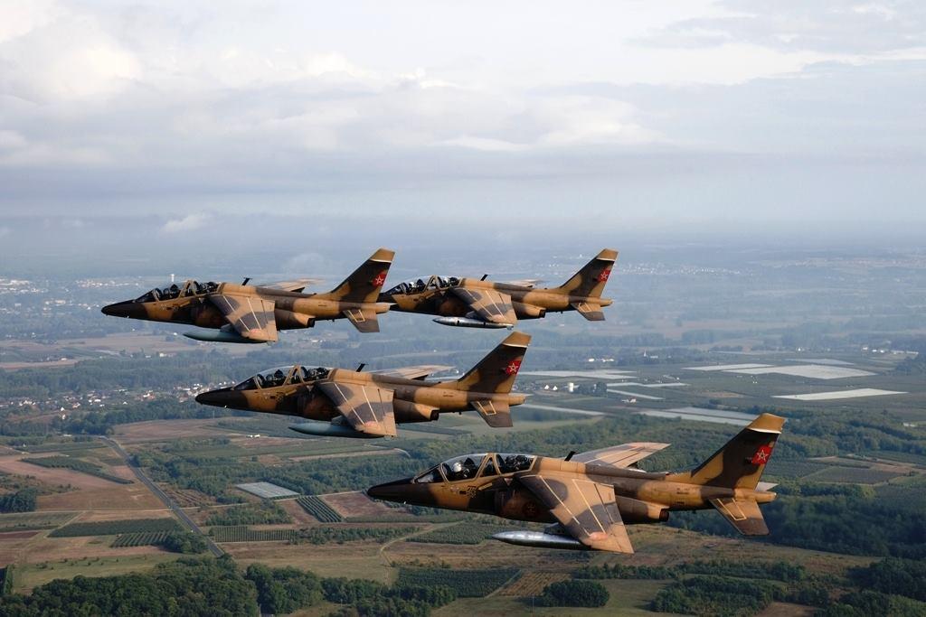 FRA: Photos avions d'entrainement et anti insurrection - Page 8 160419065905461300