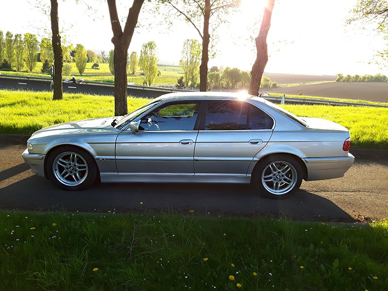 BMW 730DA Pack de Dimitri - Page 3 160505023026286848
