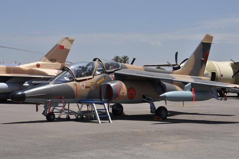 FRA: Photos avions d'entrainement et anti insurrection - Page 9 160527074005121647