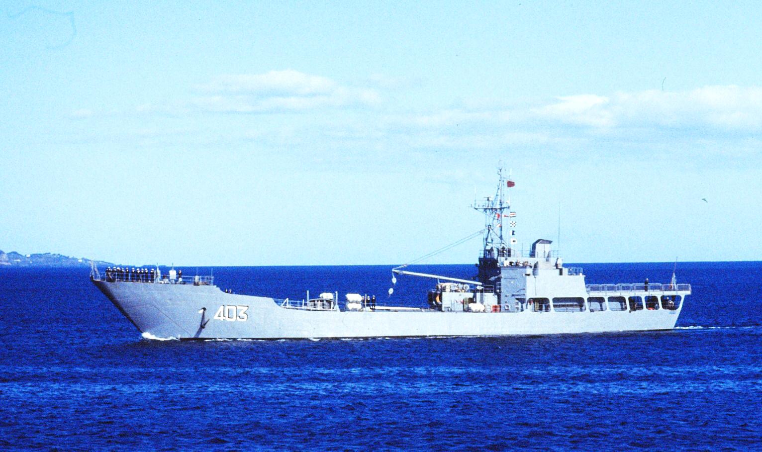 Royal Moroccan Navy Batral LST Class / Batral marocains classe Daoud Ben Aïcha - Page 4 160614065051116656