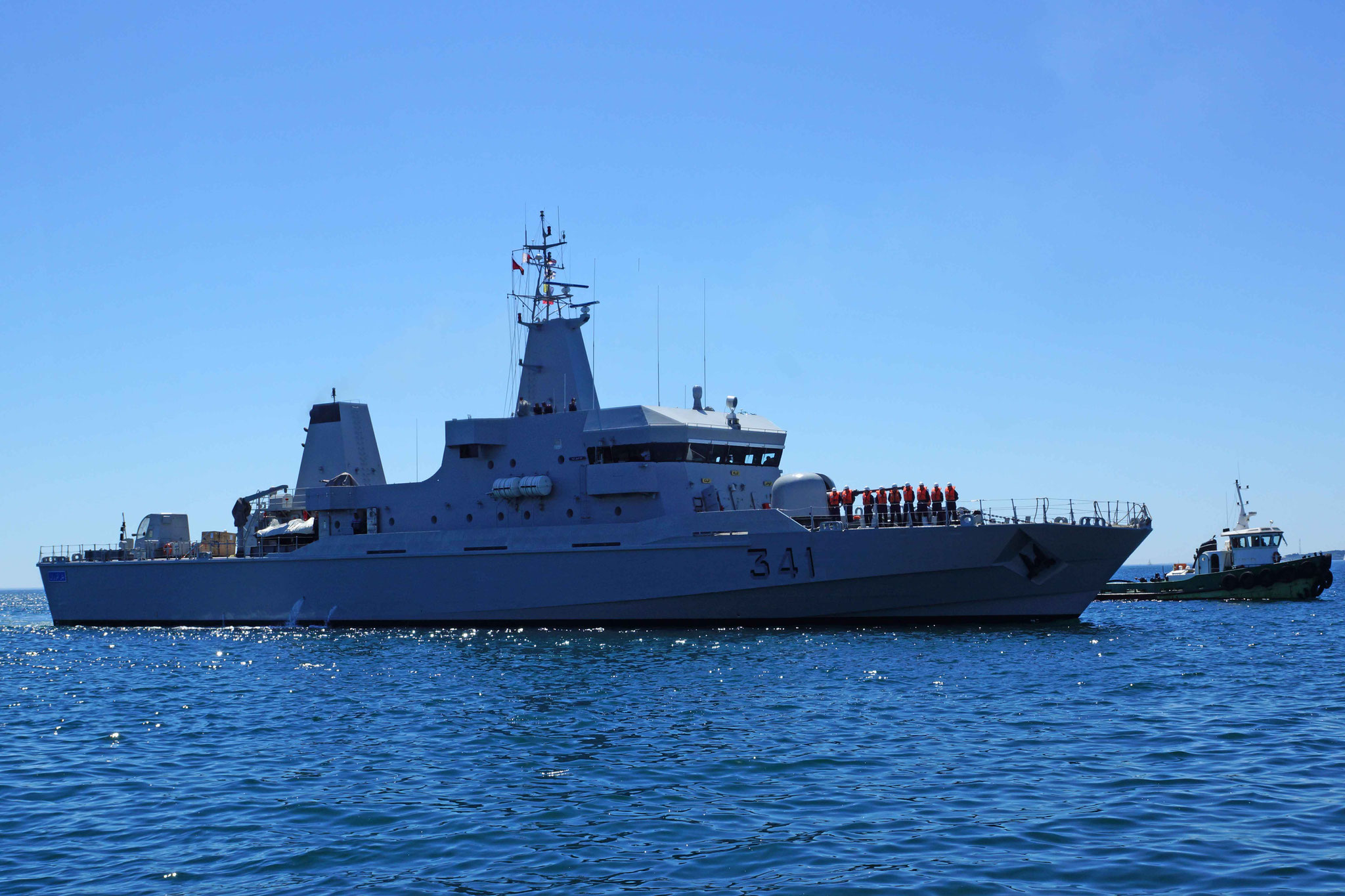 Royal Moroccan Navy OPV-70 / Classe Bir Anzarane - Page 5 160726073305674019