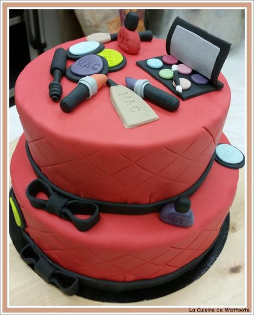 gâteau maquillage MAC 2 étages