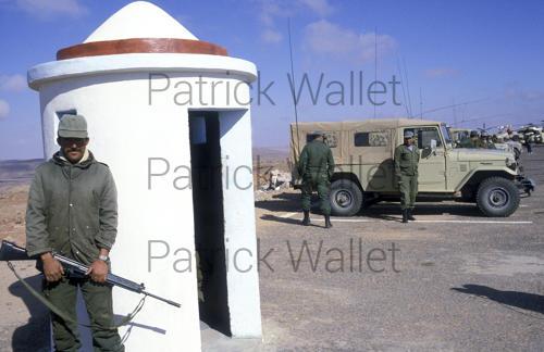 Le conflit armé du sahara marocain - Page 9 160818074346619475