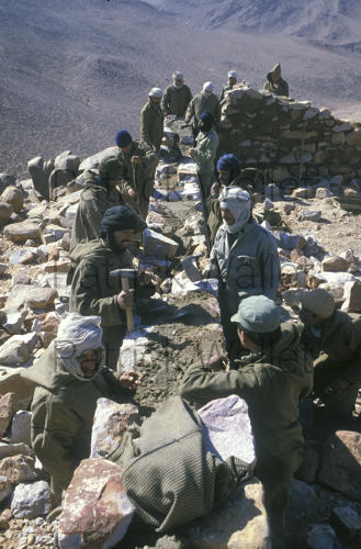 Le conflit armé du sahara marocain - Page 9 160818074347593985