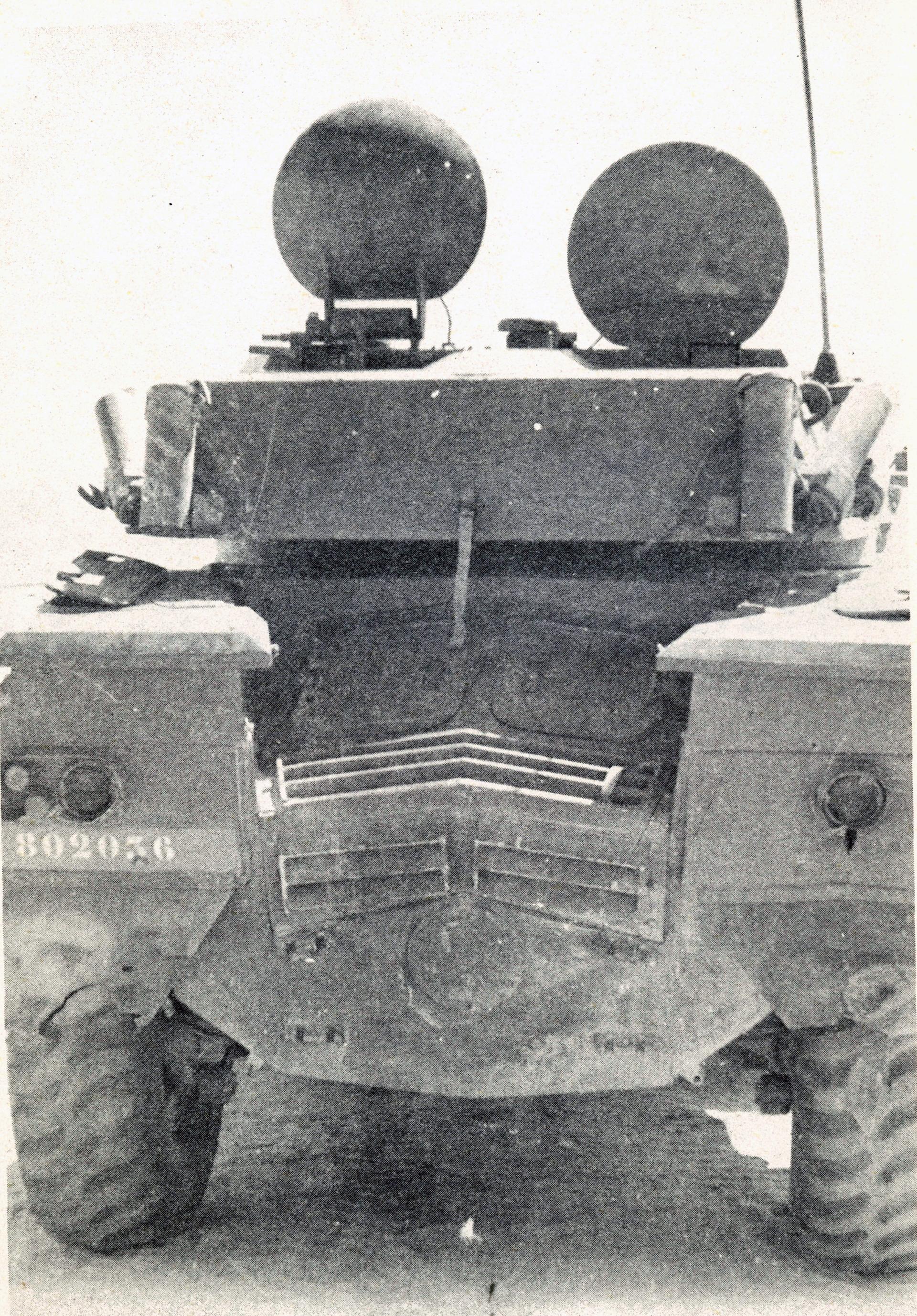 Panhrad AML-90 et Eland-90 Mk6 161007080722577644