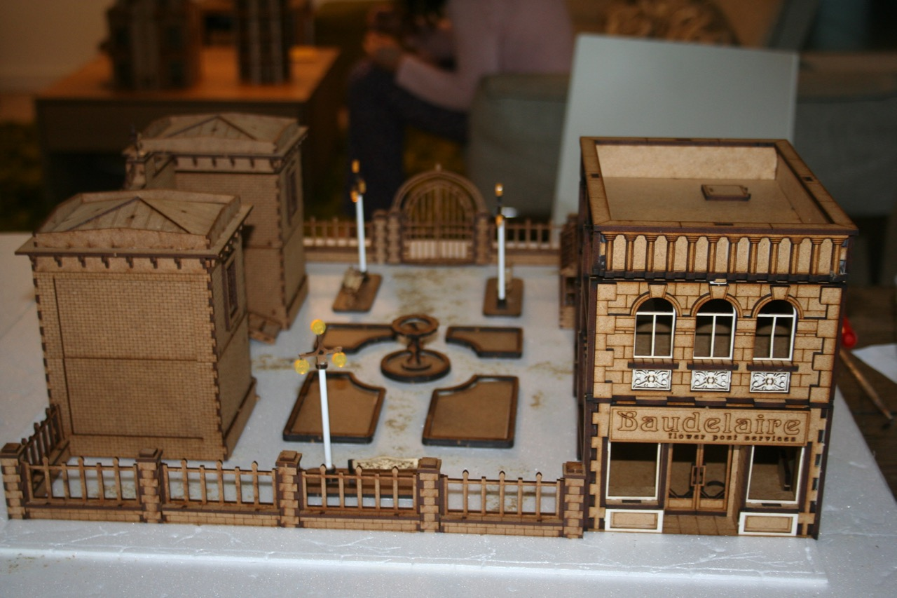 L'atelier de Lien : début de tables Gotham.. 161009114942854545