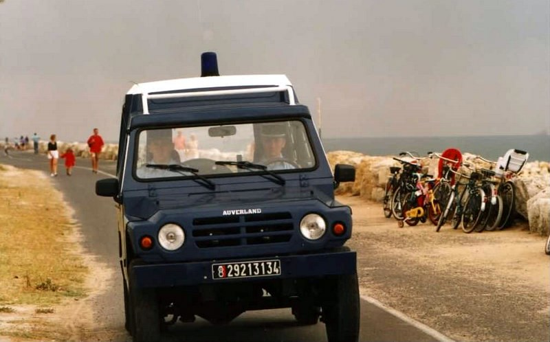 R4, R6 Sinpar et véhicules tout terrain de brigade.  161216110858644053