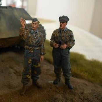 Front de l'Est en hiver (SdKfz 223 1/35 Tamiya + personnages Dragon et Tank) - Page 9 170109064720719756