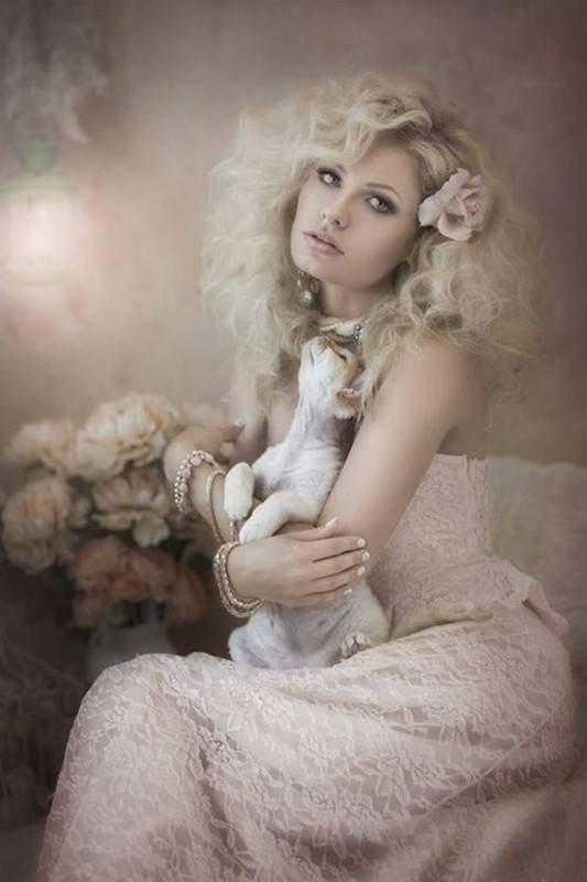 belle femme avec animal