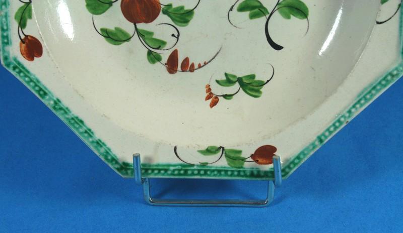 Belle assiette hexagonale faience fine bord perle douai ou for Faience hexagonale