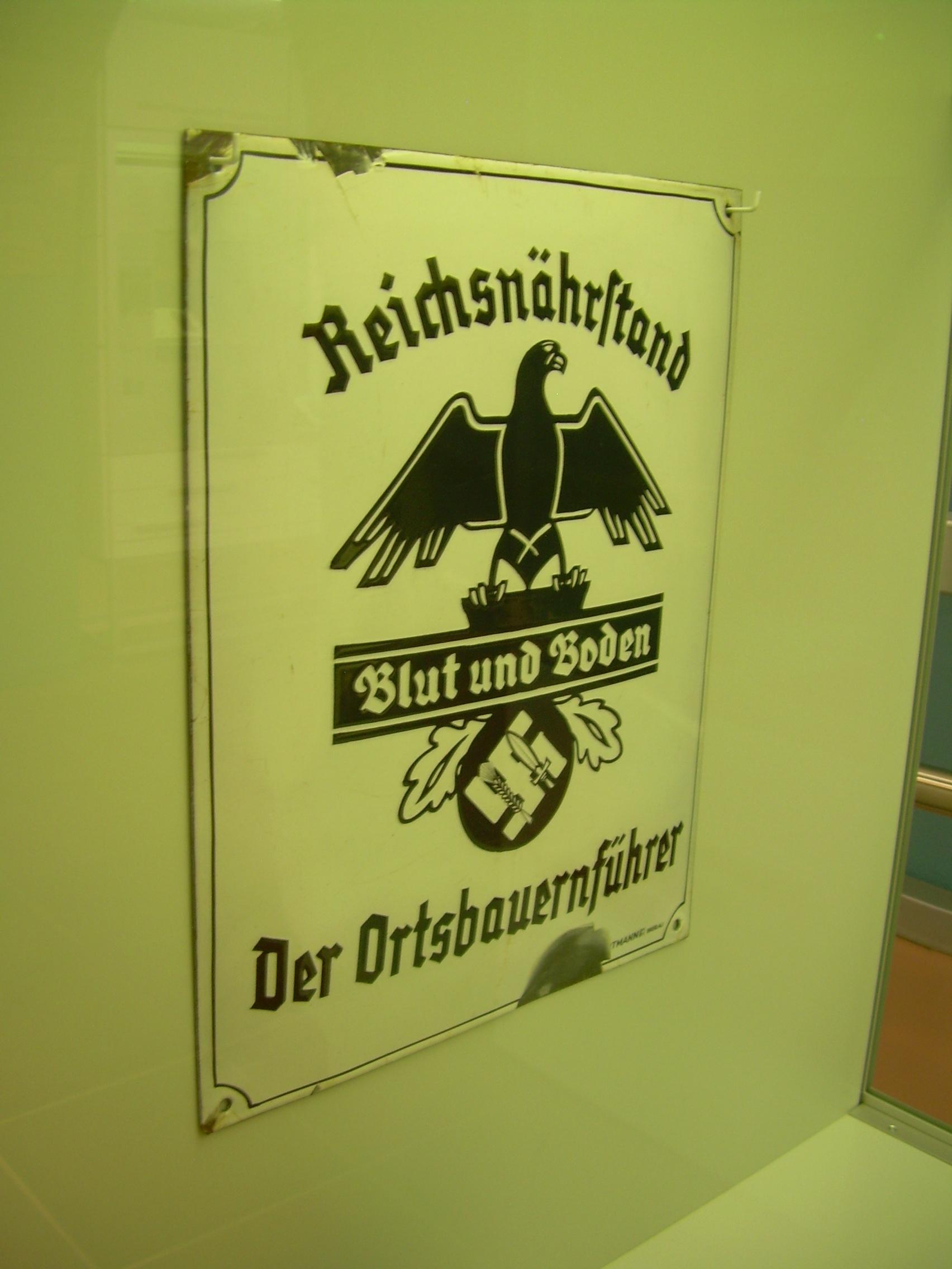 La Wewelsburg  Centre Spirituelle de la SS 170310121427288711